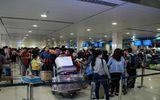 Sân bay Tân Sơn Nhất khuyến cáo: Khách hàng không bịt mặt, không đỗ ô tô trước sảnh quá 3 phút