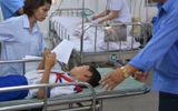 Sau bữa ăn tại trường tiểu học, 50 học sinh phải nhập viện cấp cứu
