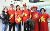 Hoa hậu Ngọc Hân mang áo dài tự thiết kế sang UAE cổ vũ ĐT Việt Nam