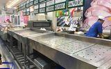 """Người dân đổ xô đi """"vét"""" hàng siêu thị, mua đồ giảm giá ngày 30 Tết"""