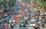 Người du xuân nhích từng bước vì đường phố Hà Nội kẹt cứng trở lại