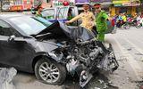 Hà Nội: Xe Mazda gây tai nạn liên hoàn, 3 người bị thương