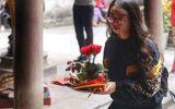 """Lễ tình nhân 14/2, nam nữ kéo nhau tới chùa Hà cầu duyên mong """"thoát ế"""""""