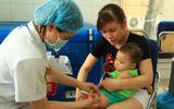 """Nguy cơ dịch sởi bùng phát vì cha mẹ chạy theo """"trào lưu"""" không cho con tiêm vaccine"""
