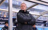 HLV Incheon tiết lộ lý do bất ngờ khi không tung Công Phượng vào sân trong trận ra quân K-League