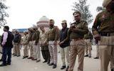 Pakistan trao trả phi công Ấn Độ sau vụ bắn hạ máy bay