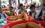 Người phụ nữ lo bữa sáng miễn phí cho học sinh nghèo vùng cao