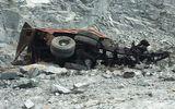 Xe ben rơi xuống vực sâu hàng trăm mét, tài xế tử vong thương tâm