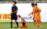 Video: Cận cảnh pha gãy chân của đội trưởng U19 Đà Nẵng