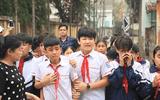 Vụ 8 em nhỏ chết đuối: Một con ngõ 7 đám tang, hàng trăm học sinh rơi nước mắt tiễn biệt