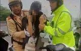 Hải Phòng: CSGT giải cứu thành công một thai phụ 37 tuần tuổi định nhảy cầu tự tử