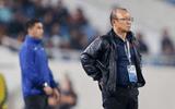 Video: HLV Park Hang-seo tức giận lao ra sân vì cầu thủ U23 Thái Lan phạm lỗi