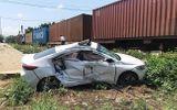 Tin tai nạn giao thông mới nhất ngày 3/4/2019: Tàu hỏa tông văng ô tô, 3 người bị thương