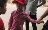 Bé trai kể lại giây phút thoát chết dưới nanh vuốt đàn chó giết người ở Hưng Yên