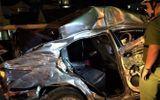 Ô tô con đấu đầu xe tải trước cửa hầm Hải Vân, 2 người chết, 3 người bị thương nặng