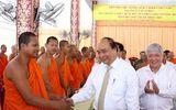 Thủ tướng thăm, chúc Tết Chôl Chnăm Thmây tại Học viện Phật giáo Nam tông Khmer