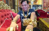 Video: Phúc XO xuất hiện trên truyền hình khoe đeo 13 kg vàng
