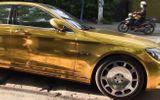 """Chiếc ô tô """"mạ vàng"""" được Phúc XO thuê gần 1 triệu đồng/ngày để di chuyển"""
