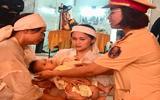 Vụ đâm chết người vì nhắc vượt đèn: Con trai nạn nhân được CSGT Quảng Trị đỡ đầu