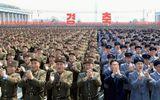 Hàng nghìn người Triều Tiên tuần hành chúc mừng Chủ tịch Kim Jong-un tái đắc cử