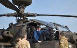 5 máy bay trực thăng Apache của Anh bất ngờ tới gần biên giới Nga