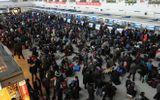 """13 triệu người Trung Quốc bị cấm mua vé máy bay, vé tàu vì """"hạnh kiểm kém"""""""