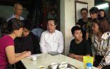"""Vụ nữ lao công bị """"xe điên"""" tông tử vong: Sở GD&ĐT Hà Nội đảm bảo nơi học cho con trai nạn nhân"""