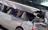 Bắc Giang: Xe khách 16 chỗ tông xe tải khiến 3 người thương vong