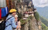 Diễn viên Mai Phương bật khóc khi chinh phục thành công đỉnh núi cao 3.000 m dù bị ung thư phổi