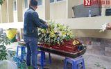 Gia đình cố Nghệ sĩ Lê Bình nức nở, xót xa khi thấy thi hài ông lần cuối