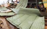 Xuất hiện dông lốc, mưa đá ở Long An, mái tôn phòng trọ bị cuốn đi hàng chục mét