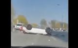 """Video: Kinh hoàng cảnh nữ tài xế đạp nhầm chân ga khiến ôtô """"bay"""" từ tầng 3 xuống đất"""