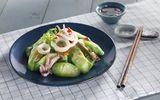 Món ngon mỗi ngày: Mướp xào mực lạ mà ngon cho bữa trưa