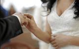 Bắt giữ 50 người trong đường dây dàn xếp kết hôn giả cho người gốc Việt tại Mỹ