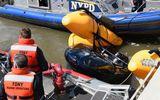Video: Khoảnh khắc kinh hoàng trực thăng Mỹ lảo đảo lao xuống sông tại New York