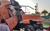 Hiện trường ngổn ngang vụ xe container mất lái tông 4 nhà dân tại Nam Định
