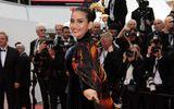 Tin tức giải trí - Trương Thị May diện áo dài đến LHP Cannes 2019 cùng đoàn phim Ấn Độ