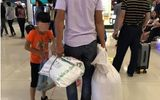 Tranh cãi gay gắt quanh chuyện có nên đựng hành lý bằng bao tải khi đi máy bay
