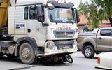 Tin tức tai nạn giao thông mới nhất hôm nay 31/5/2019: Va chạm xe đầu kéo, tài xế xe ôm tử vong