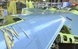 """Lộ diện """"bóng ma bầu trời"""" Su-57 đầu tiên trong dây chuyền sản xuất hàng loạt của Nga"""