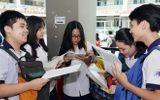 Đề thi Tiếng Anh lớp 10 tại TP HCM khó nhằn, nhiều thí sinh buồn bã rời phòng thi