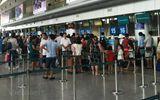 Liên tiếp bắt quả tang hành khách nước ngoài trộm cắp hành lí trên máy bay