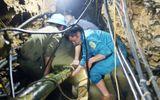 Vụ 2 người mắc kẹt trong hang ở Lào Cai: Sắp tiếp cận được nạn nhân
