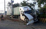 Video: Khoảnh khắc kinh hoàng xe container tông thẳng ô tô con khiến 5 người thiệt mạng