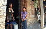 Diễn biến mới nhất vụ nữ sinh quỳ gối khóc van xin thi lại môn Văn ở Quảng Bình