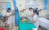 Lào Cai: Bé gái 3 tuổi nhập viện cấp cứu vì sốc phản vệ do bị kiến đốt