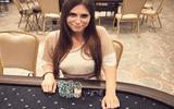 Ngôi sao chơi bài poker sexy nhất nước Nga chết vì dùng máy sấy tóc trong nhà tắm