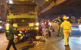 Hà Nội: Va chạm kinh hoàng với xe tải, 2 người thương vong