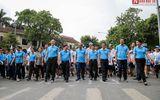 """Phó Thủ tướng Trương Hòa Bình cùng hàng ngàn người xuống đường, hưởng ứng """"Đi bộ vì sức khỏe"""""""