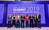 """Vietcombank vinh dự nhận giải thưởng """"Champion Security Award"""" của tổ chức thẻ quốc tế Visa"""